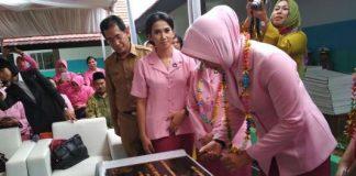 Ibu Kapolda Metro Jaya , Fitri Idham Azis